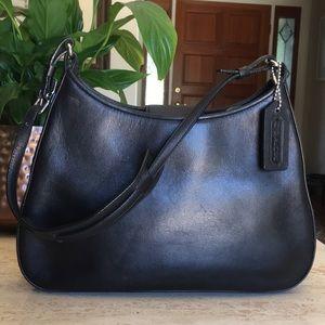 🌹COACH Vintage Small Black Leather Shoulder Bag!